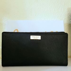 Kate Spade Stacey Laurel Signature black wallet